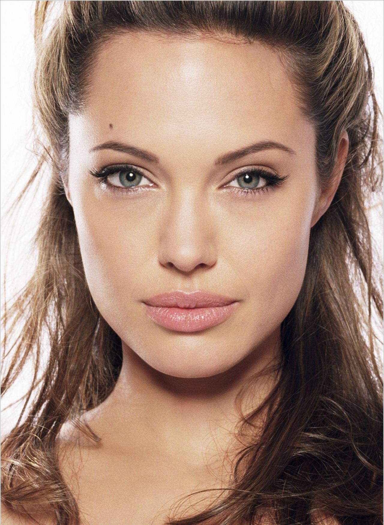 Angelina jolie lips me? remarkable